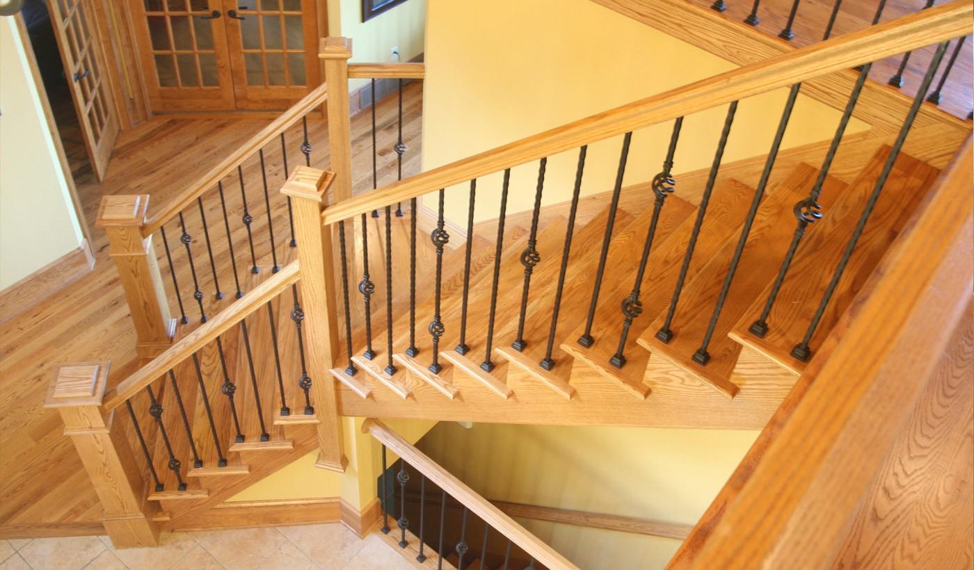 Возведение деревянных лестниц